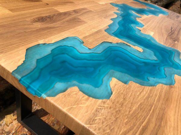 river tisch blau